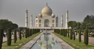 Taj Mahal Visit Costlier, Foreign tourists to pay Special fee
