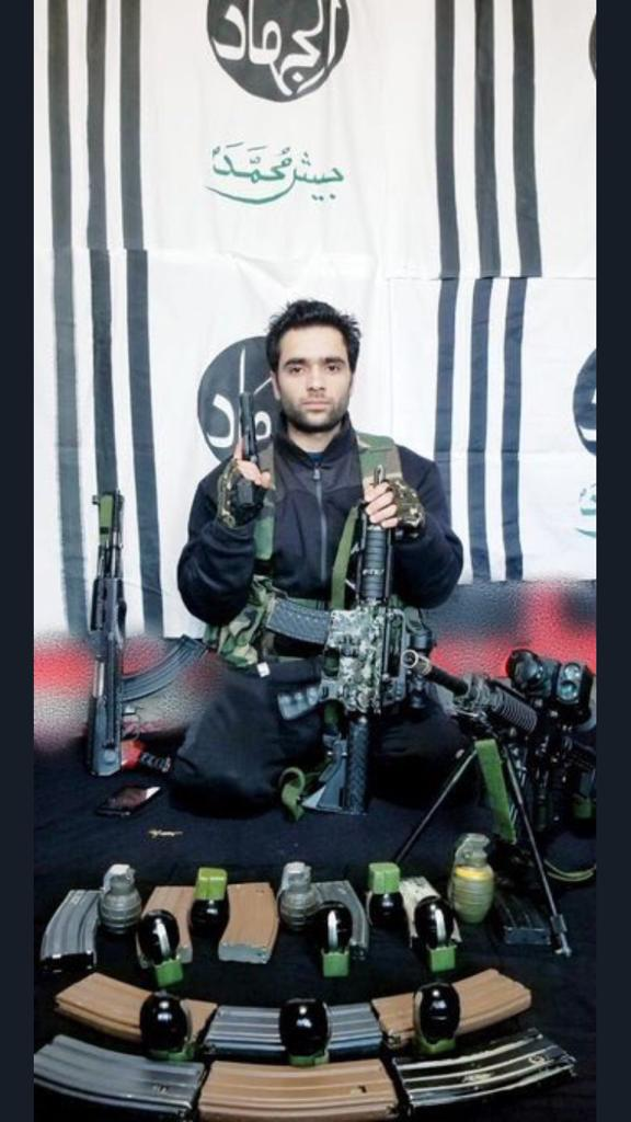 Eye witnesses reveal last moments of Pulwama suicide bomber